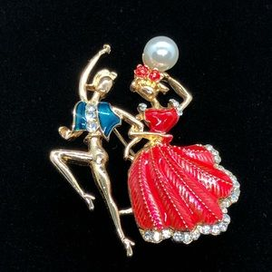 Stylish Dancers Brooch